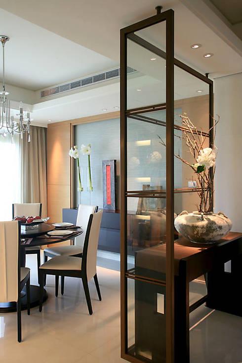 大直黃宅:  餐廳 by 四一室內裝修有限公司
