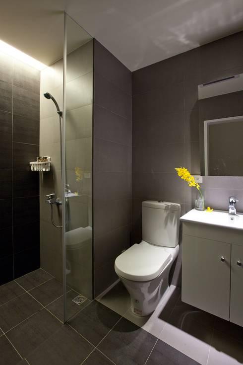 關渡住宅:  浴室 by 齊禾設計有限公司
