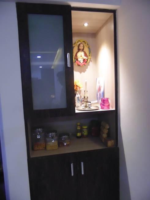 IMPERIUM BALEWADI: modern Dressing room by decormyplace.com
