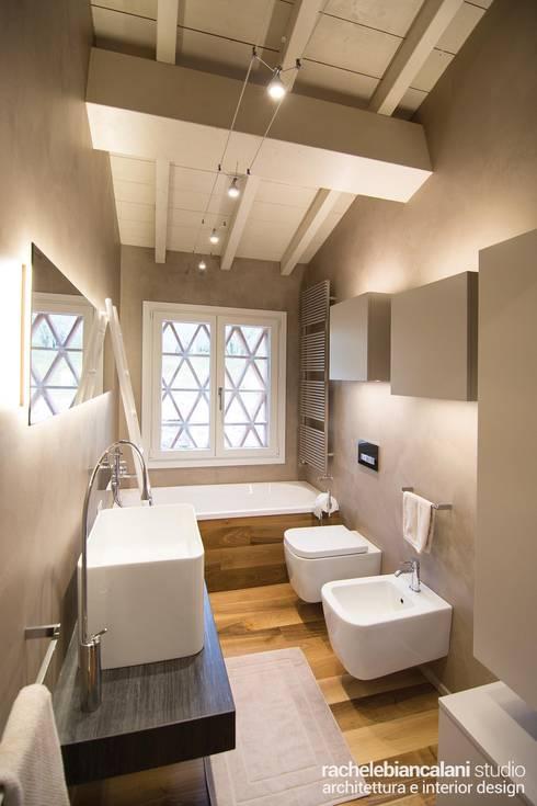 : Bagno in stile  di Rachele Biancalani Studio - Architecture & Design