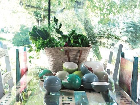Let's go green: Casa  por Arfai Ceramics Portugal