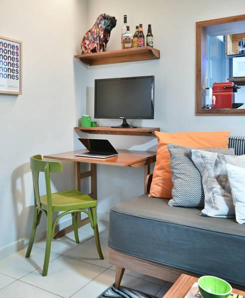 Living room by Move Móvel  Criação de Mobiliário