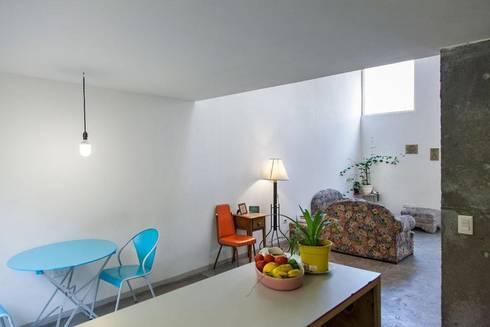 Casa RM: Comedores de estilo minimalista por ARKRAFT studio