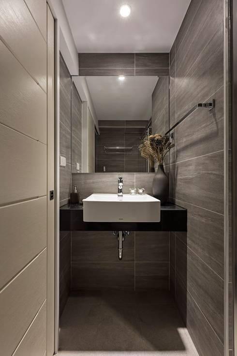 樸.淨:  浴室 by 築川設計