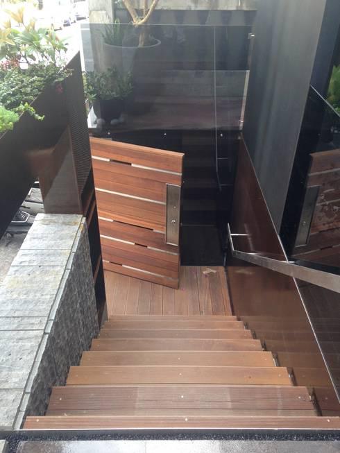 入口樓梯:  辦公室&店面 by 四一室內裝修有限公司