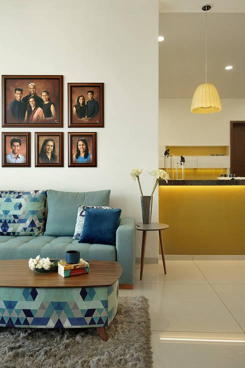 akshay shah (samruddhi bungalow): classic Bedroom by USINE STUDIO