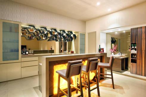 shree bungalow: modern Kitchen by USINE STUDIO