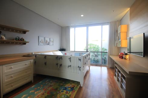 SL RESIDENCE:  Kamar bayi by ALIGN architecture interior & design