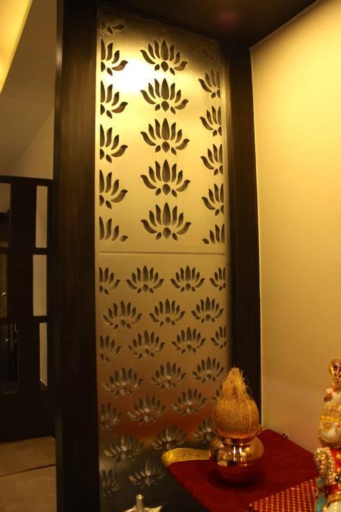 Mystic Moods,Pune: modern Dining room by H interior Design