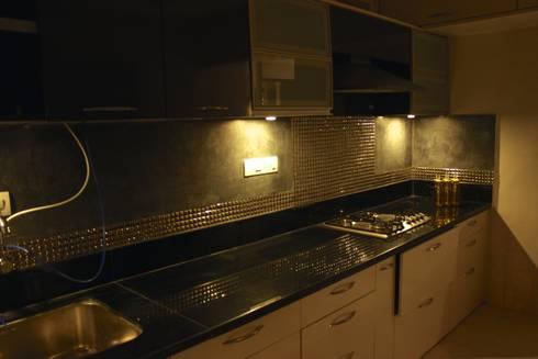 Mystic Moods,Pune: modern Kitchen by H interior Design