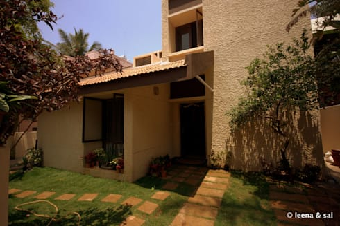 Captain Vijendra - Renovation: eclectic Houses by Sandarbh Design Studio