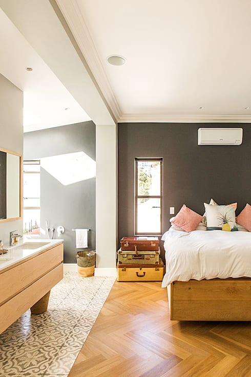 ALTERATION FRESNAYE, CAPE TOWN: modern Bedroom by Grobler Architects