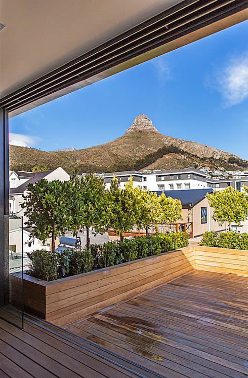 ALTERATION FRESNAYE, CAPE TOWN:  Patios by Grobler Architects