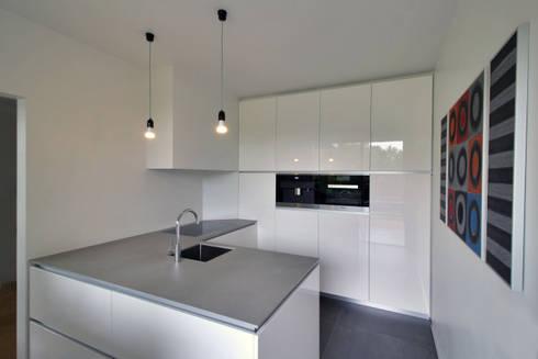 interieur C te Klimmen: moderne Keuken door CHORA architecten