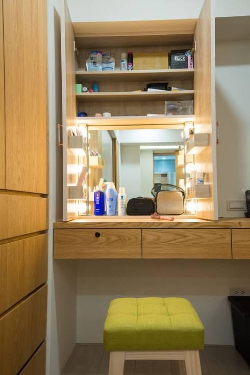 化妝桌:   by 寬軒室內設計工作室