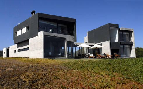 Casa Rabanua: Terrazas  de estilo  por Dx Arquitectos