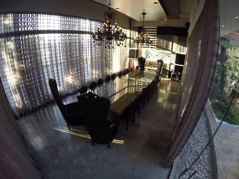 Restaurante & Lounge SANTRU:  de estilo  por GMS ARQUITECTOS, C.A.