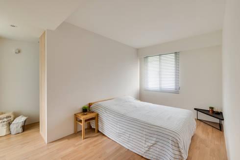 主臥房:  臥室 by 御見設計企業有限公司