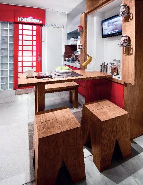 Industrial London inspired apartment:  Ruang Makan by SATTVA square
