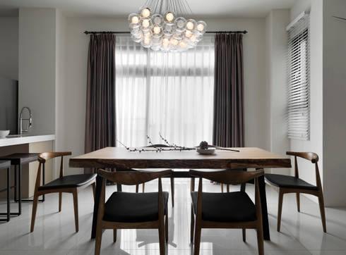 C House:  餐廳 by 夏沐森山設計整合