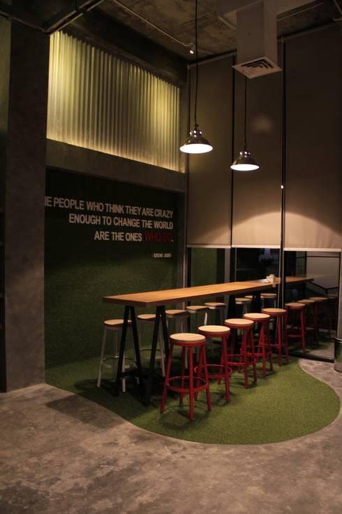 Open office 1st floor:  Ruang Komersial by Kottagaris interior design consultant