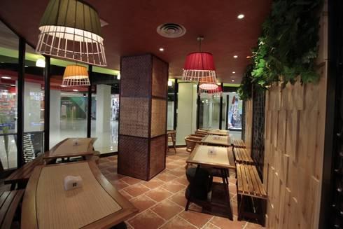 Smoking area:  Restoran by Kottagaris interior design consultant