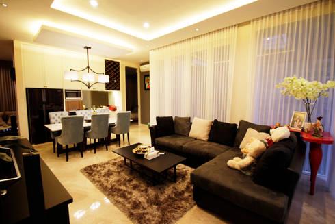 Living and  dining area:  Ruang Keluarga by Kottagaris interior design consultant