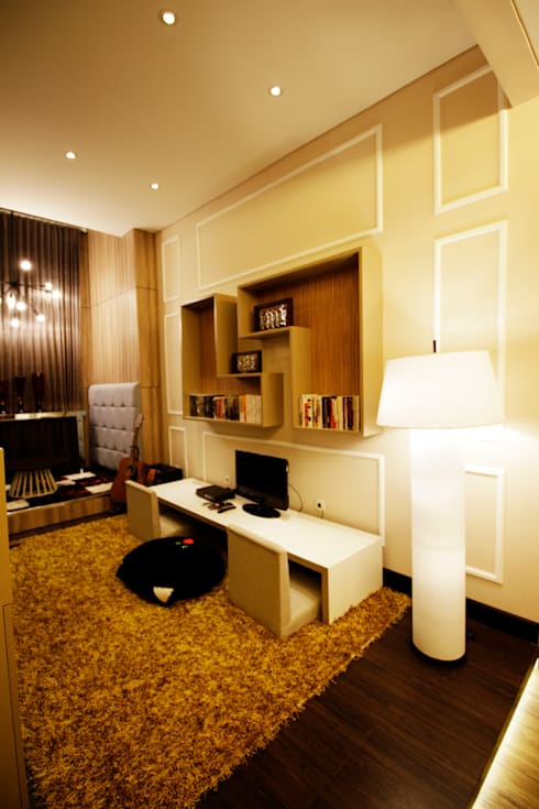 Playing area at the second floor:  Ruang Multimedia by Kottagaris interior design consultant