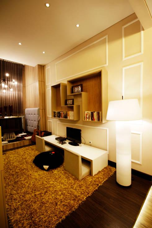 Phòng giải trí by Kottagaris interior design consultant