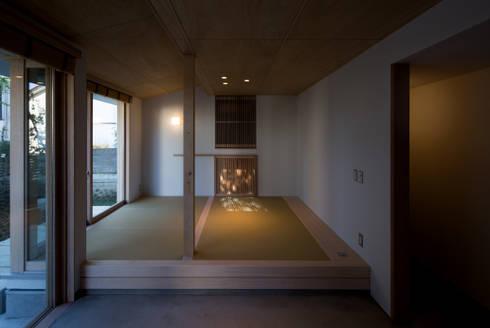 南戸塚の住居/House in Minamitotsuka: 平山教博空間設計事務所が手掛けた和室です。