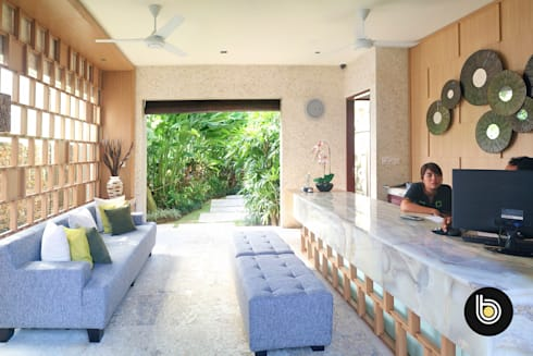 Cicada Luxury Townhouse:  Hotels by BB Studio Designs