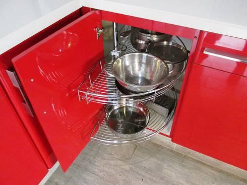 Rotonda extensible para mueble de equina cocina: Cocina de estilo  por ABS Diseños & Muebles
