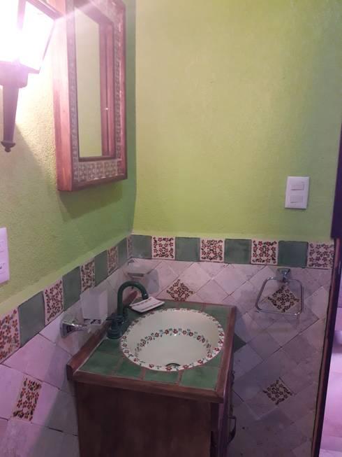 Bathroom by Rústicos Artesanales