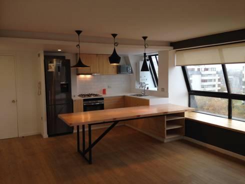 REMODELACION DEPTO PEÑA Y LILLO: Comedores de estilo escandinavo por [ER+] Arquitectura y Construcción