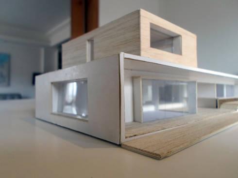 PROYECTO CASA CURACAVI: Casas de estilo minimalista por [ER+] Arquitectura y Construcción