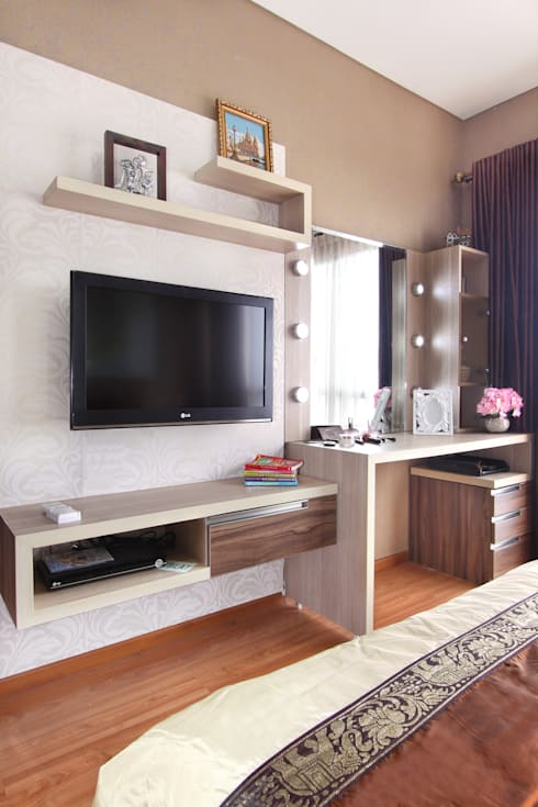 Interior Apartemen Tamansari Semanggi:  Kamar Tidur by SAKA Studio