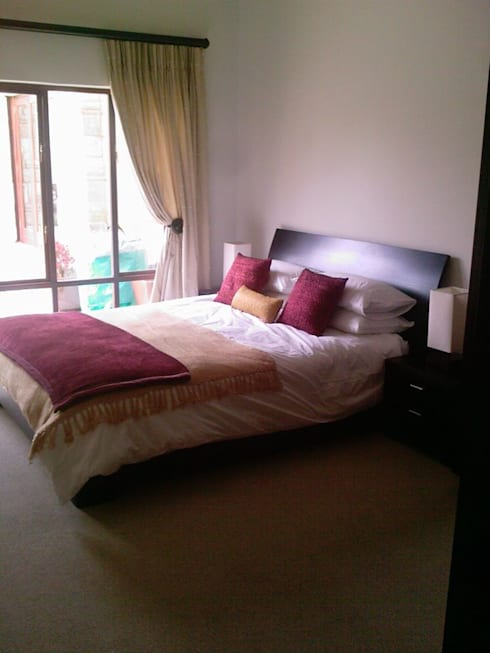 Peters Place: modern Bedroom by Capital 5 Consulting