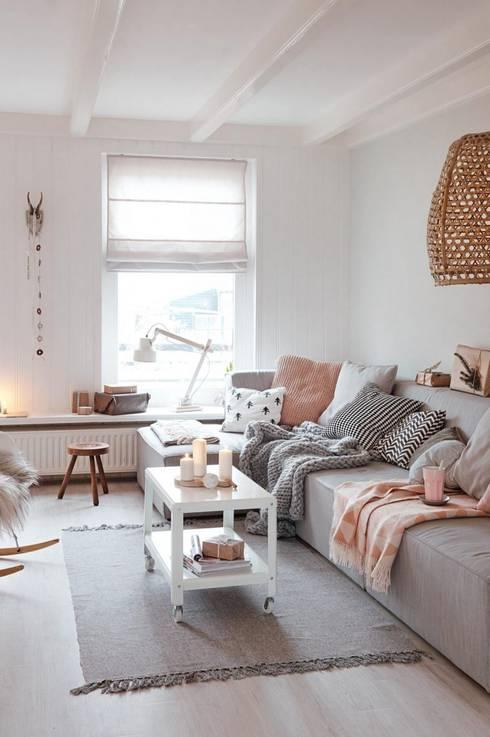 Kunst: skandinavische Wohnzimmer von homify