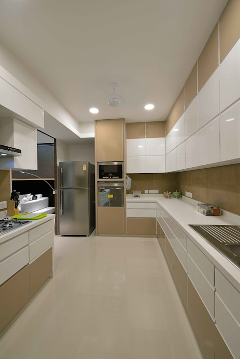 Heera High Life:  Kitchen by SM Studio