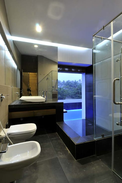 Dahanu Farmhouse:  Bathroom by SM Studio