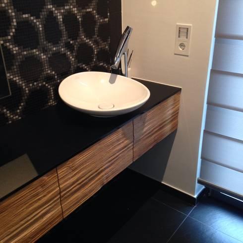 waschtisch unterbau mit schubladen f r g ste wc von raumkonzept homify. Black Bedroom Furniture Sets. Home Design Ideas