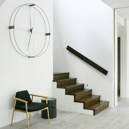 Nomon Delmori - Wenge & Black: modern Living room by Just For Clocks