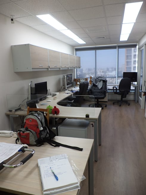 HABILITACION OFICINAS  PROVIDENCIA: Estudios y biblioteca de estilo  por AOG SPA