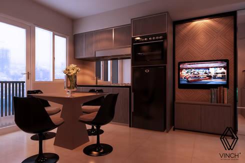Living, Dining, Pantry Area:  Ruang Keluarga by Vinch Interior