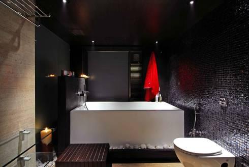 Bandra Residence: modern Bathroom by SM Studio