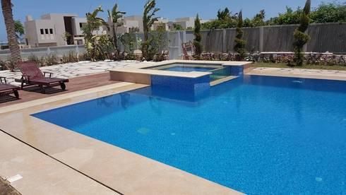 Swimming Pool - Jacuzzi:   تنفيذ Balance Innovation