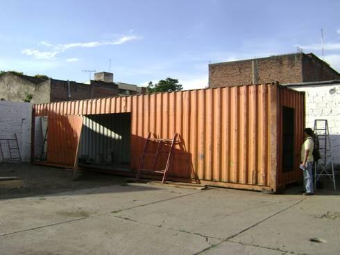 Transformación de contenedor: Casas prefabricadas de estilo  por Home Box Arquitectura