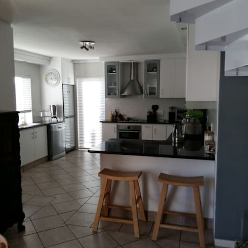 Kitchen Make-over in Harbour Island:  Built-in kitchens by Cape Kitchen Designs