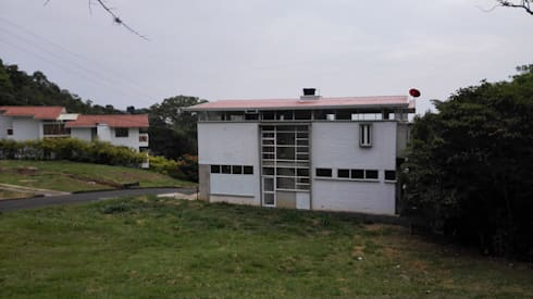 Vivienda Campestre Sostenible 1 – 2016: Casas de estilo minimalista por PILO Arquitectura