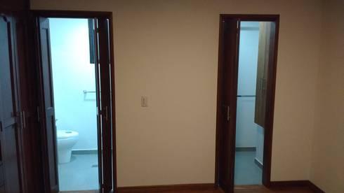 Alcoba principal: Habitaciones de estilo moderno por bdl concept/studio